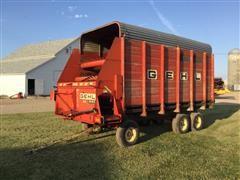 Gehl BU 940 T/A Forage Wagon