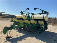 2005 John Deere 1760 MaxEmerge XP 12-Row Planter