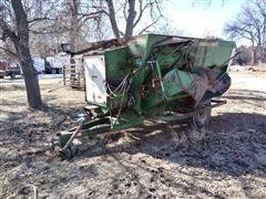 Henke 240 Feed Wagon