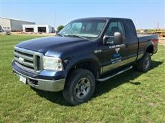 2005 Ford F250XLT Super Duty 4x4 Extended Cab Pickup