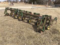 John Deere 825 Field Cultivator