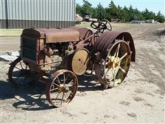 1927 John Deere D 2WD Tractor