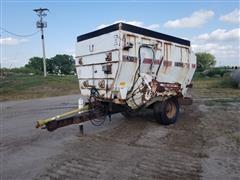 Harsh 430 Feeder Wagon