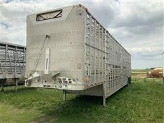 2005 Wilson PSDCL-402 T/A Livestock Trailer