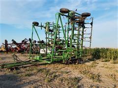 John Deere E1050 Field Cultivator