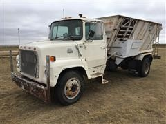 1983 Ford 7000 Truck W/ Harsh 350 Feed Mixer