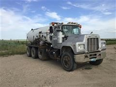 1984 Mack RD686S Tri/A Water Truck