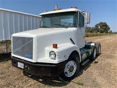 1991 White GMC WIA64T T/A Truck Tractor
