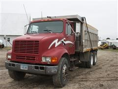 1993 International Navistar 8100 T/A Dump Truck