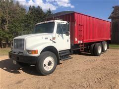 2002 International 4900 T/A Grain Truck