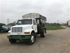 1991 International 4900 S/A Fertilizer Tender Truck