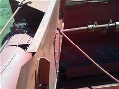 items/83110a69ff29e41180be00155de252ff/1981caseih1480combine