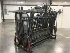 Bowman Super Duty 4000 Hydraulic Squeeze/Head Cattle Chute