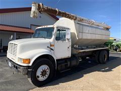 1991 International S-4900 Feed Truck
