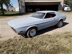 1971 Ford Mustang 2 Door Hardtop Car