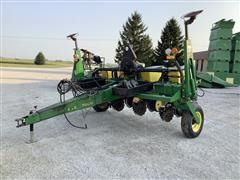 John Deere 7200 4R30 Planter