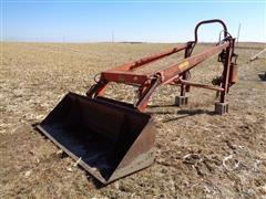 Farmhand F11 Loader W/540 PTO Pump 8' Bucket
