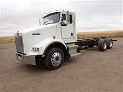 2002 Kenworth T800 T/A Cab & Chassis