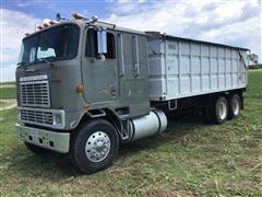 1985 International COF9670 T/A Grain Truck