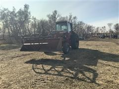 International 1086 2WD Tractor W/Loader