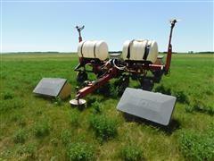 New Idea 900 Series 4R36 Pull Type Planter