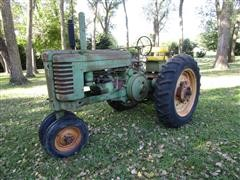 1952 John Deere G 2WD Tractor W/3-Pt Hitch And PTO