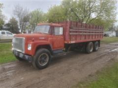 1972 International Loadstar 1600 T/A Grain Truck