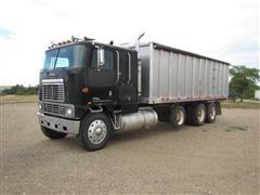 1983 International Harvester COF4070 Tri/A Grain Truck
