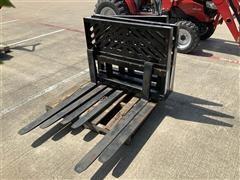 2018 Mahindra KPFSS Pallet Fork Skid Steer Attachment