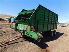 John Deere 716A Feeder Wagon