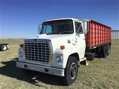 1985 Ford 700 Grain Truck