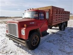 1977 International Loadstar 1600 Grain Truck