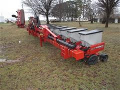 Case IH 1230 Early Riser Stack Fold 16 Row Planter