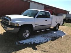 2001 Dodge RAM 1500 4x4 Extended Cab Pickup W/Service Box
