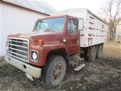 1979 International 1724 Grain Truck