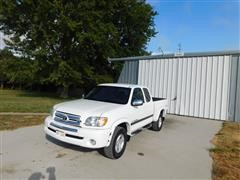 2004 Toyota Tundra Access Cab SRS 4 Door Extended Cab Pickup