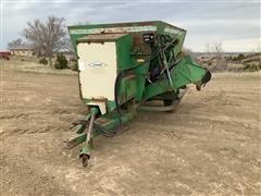 Henke B240 247 Feeder Wagon