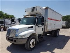 2006 International 4300 S/A Reefer/Box Truck