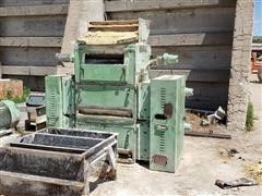 California Pellet Mill Roskamp Roller Mill