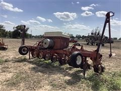 International 950 800 Cyclo 8R30 Air Seeder