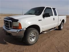 2001 Ford F250 Super Duty Extended Cab 4X4 Pickup