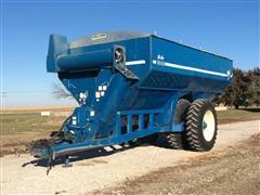 Kinze 1040 AW Grain Cart