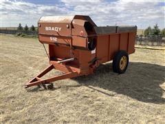 Brady 512 Feed Wagon