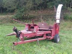 International 720 Forage Harvestor