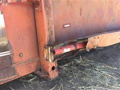 Case 810 Header 015.JPG