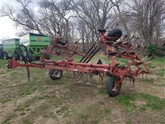 Case IH 4500 Vibra Shank Field Cultivator