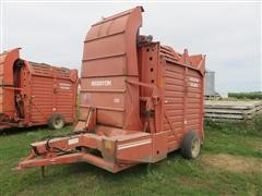 Hesston SH10 Hay/Cornstalk Stack Machine