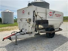 KUHN Knight RC250 Feed Wagon