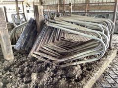 Free Stall Loop Panels