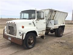 1971 Ford 600 S/A Truck W/Harsh Feed Box